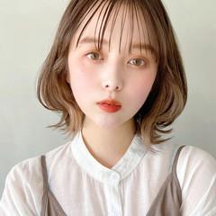 アンニュイほつれヘア ナチュラル ミディアム デート ヘアスタイルや髪型の写真・画像