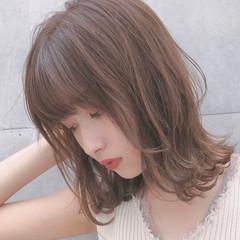 ミディアム アンニュイほつれヘア ヘアアレンジ インナーカラー ヘアスタイルや髪型の写真・画像