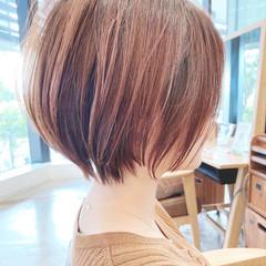 ショートボブ ミニボブ 切りっぱなしボブ ショート ヘアスタイルや髪型の写真・画像