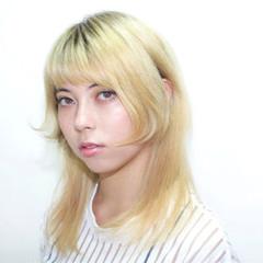 外国人風 ストレート ハイトーン セミロング ヘアスタイルや髪型の写真・画像