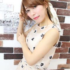 ナチュラル 簡単ヘアアレンジ フェミニン 小顔 ヘアスタイルや髪型の写真・画像