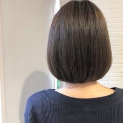 ミニボブ ナチュラル ボブ オリーブアッシュ ヘアスタイルや髪型の写真・画像