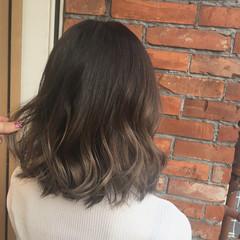 女子会 グラデーションカラー 夏 グレージュ ヘアスタイルや髪型の写真・画像