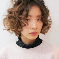 ラフ 外国人風 パーマ 小顔 ヘアスタイルや髪型の写真・画像