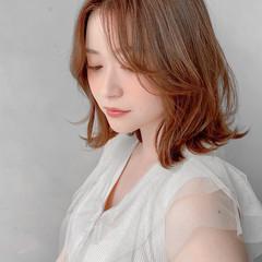 デジタルパーマ 流し前髪 暖色 ナチュラル ヘアスタイルや髪型の写真・画像