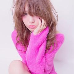 大人かわいい パーマ ゆるふわ ニュアンス ヘアスタイルや髪型の写真・画像