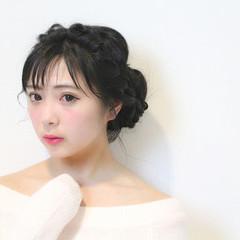 ヘアアレンジ セミロング 編み込み 黒髪 ヘアスタイルや髪型の写真・画像