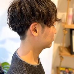ショート メンズパーマ メンズショート ナチュラル ヘアスタイルや髪型の写真・画像