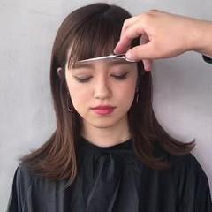 フリンジバング モード デート 切りっぱなし ヘアスタイルや髪型の写真・画像