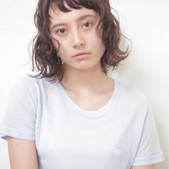前髪あり 外国人風 暗髪 ナチュラル ヘアスタイルや髪型の写真・画像