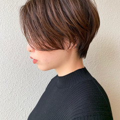 オフィス ショートヘア ハンサムショート ショートボブ ヘアスタイルや髪型の写真・画像