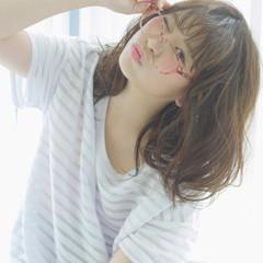 ミディアム レイヤーカット 外国人風 パーマ ヘアスタイルや髪型の写真・画像