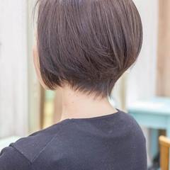 ショートヘア ナチュラル 前下がり ミニボブ ヘアスタイルや髪型の写真・画像