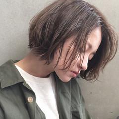 アッシュ 簡単 ナチュラル ショート ヘアスタイルや髪型の写真・画像