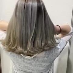 透明感カラー ミディアム ハイトーンカラー バレイヤージュ ヘアスタイルや髪型の写真・画像