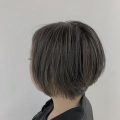 大人グラボブ グレージュ グラボブ アッシュグレー ヘアスタイルや髪型の写真・画像