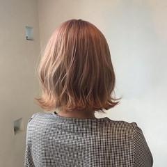 ボブ ガーリー ブリーチ必須 ピンクベージュ ヘアスタイルや髪型の写真・画像
