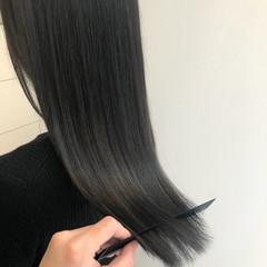 ミディアムレイヤー ブリーチカラー 透明感カラー セミロング ヘアスタイルや髪型の写真・画像