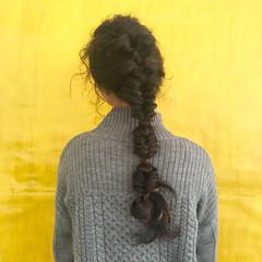 ヘアアレンジ ガーリー くせ毛風 フィッシュボーン ヘアスタイルや髪型の写真・画像