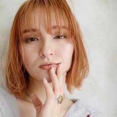 アプリコットオレンジ ボブ 前髪あり ガーリー ヘアスタイルや髪型の写真・画像