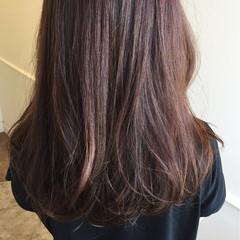 セミロング 大人かわいい ゆるふわ 暗髪 ヘアスタイルや髪型の写真・画像