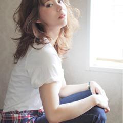 パーマ 大人かわいい セミロング ガーリー ヘアスタイルや髪型の写真・画像