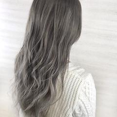 エレガント ブリーチカラー バレイヤージュ グレージュ ヘアスタイルや髪型の写真・画像
