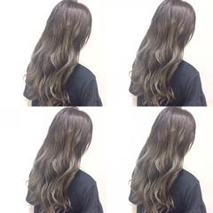 グレージュ グラデーションカラー アッシュ 外国人風 ヘアスタイルや髪型の写真・画像