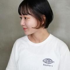 前髪パッツン ショートボブ ナチュラル ショート ヘアスタイルや髪型の写真・画像