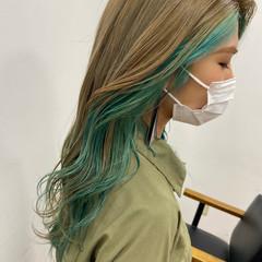インナーグリーン ロング インナーカラー ハイライト ヘアスタイルや髪型の写真・画像