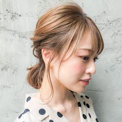 ヘアアレンジ 簡単ヘアアレンジ ミディアム ミルクティーベージュ ヘアスタイルや髪型の写真・画像