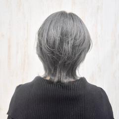 ウルフカット シルバー ニュアンスウルフ ショート ヘアスタイルや髪型の写真・画像