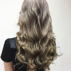ガーリー ホワイトアッシュ 外国人風 ホワイト ヘアスタイルや髪型の写真・画像