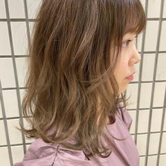 レイヤースタイル ブラウンベージュ ナチュラル ヌーディベージュ ヘアスタイルや髪型の写真・画像