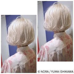 ホワイト ブリーチ ボブ シルバー ヘアスタイルや髪型の写真・画像