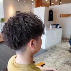 ツイスト メンズパーマ ショート メンズマッシュ ヘアスタイルや髪型の写真・画像