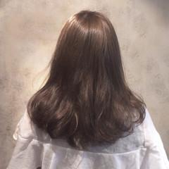 グレージュ 外国人風 ナチュラル ブルージュ ヘアスタイルや髪型の写真・画像