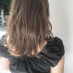 秋 透明感 グレージュ アッシュ ヘアスタイルや髪型の写真・画像