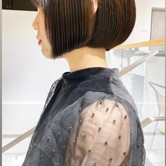 切りっぱなしボブ パーマ シースルーバング ミニボブ ヘアスタイルや髪型の写真・画像