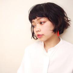 ショート ショートボブ 女子会 ウェーブ ヘアスタイルや髪型の写真・画像