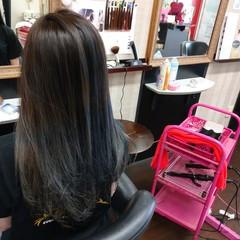 アッシュグラデーション ストリート アッシュベージュ グラデーションカラー ヘアスタイルや髪型の写真・画像