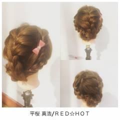 フェミニン ヘアアレンジ ミディアム パーティ ヘアスタイルや髪型の写真・画像