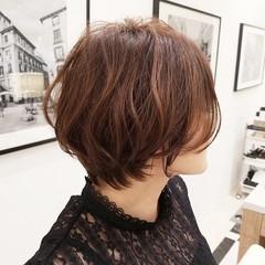 マッシュショート 大人ショート ショートヘア フェミニン ヘアスタイルや髪型の写真・画像