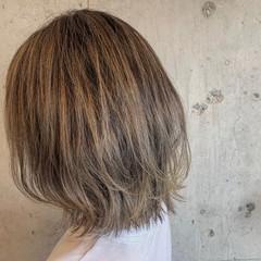 ショート ハイトーンカラー 大人カジュアル ストリート ヘアスタイルや髪型の写真・画像
