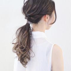 簡単ヘアアレンジ ナチュラル ヘアアレンジ エフォートレス ヘアスタイルや髪型の写真・画像