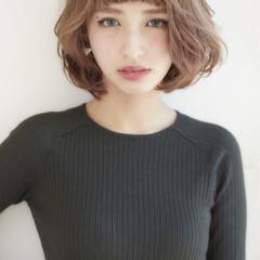 パーマ 前髪あり ナチュラル 外国人風 ヘアスタイルや髪型の写真・画像