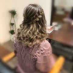 セミロング ヘアセット ヘアアレンジ 編み込みヘア ヘアスタイルや髪型の写真・画像
