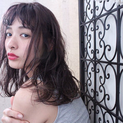 ニュアンス セミロング ナチュラル 外国人風 ヘアスタイルや髪型の写真・画像