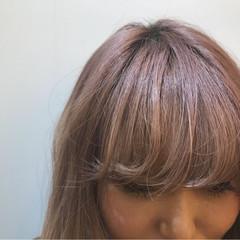 前髪あり ロング ベージュ ハイトーン ヘアスタイルや髪型の写真・画像