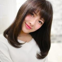 ゆるふわ フェミニン レイヤーカット 黒髪 ヘアスタイルや髪型の写真・画像